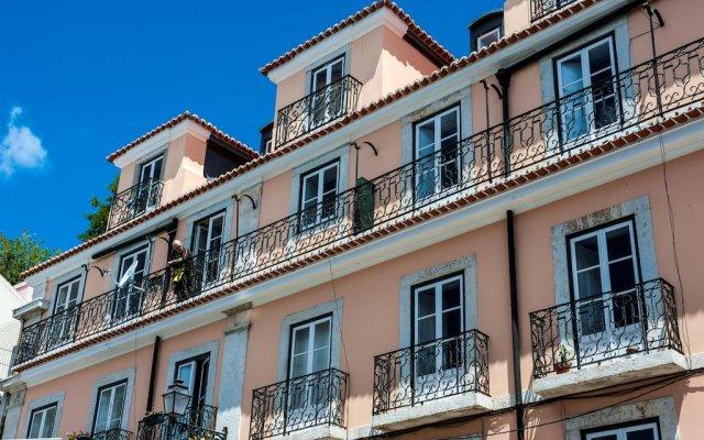 Апартаменты Portas do Teatro Apartment вид на фасад