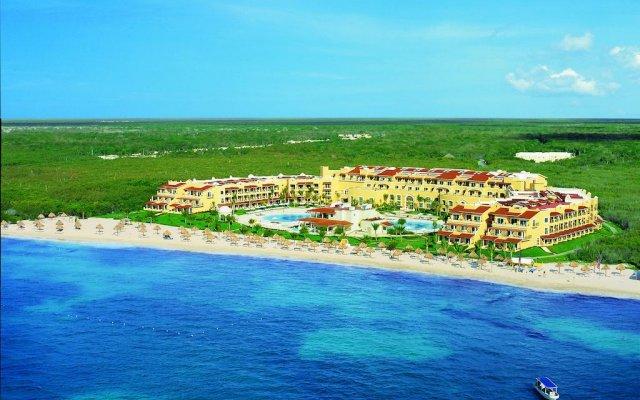 Отель Secrets Capri Riviera Cancun пляж