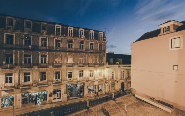 Апартаменты Deco Gem Bica Luxury Apartment вид на фасад