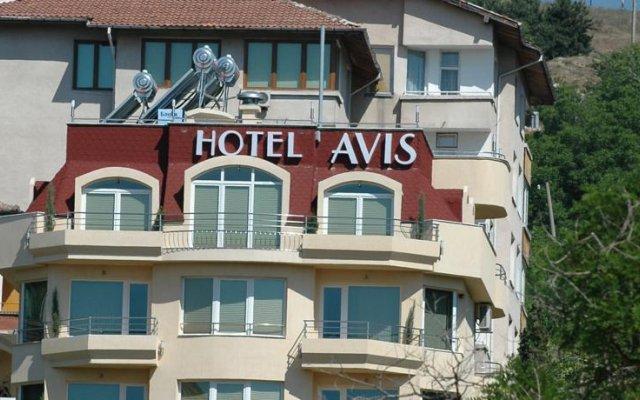 Hotel Avis вид на фасад