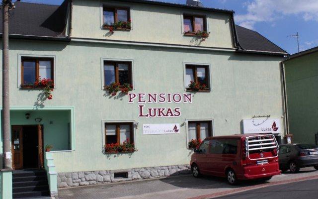 Отель Pension Lukas вид на фасад