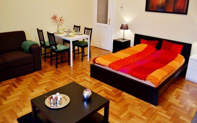 Отель Caesar Apartman комната для гостей