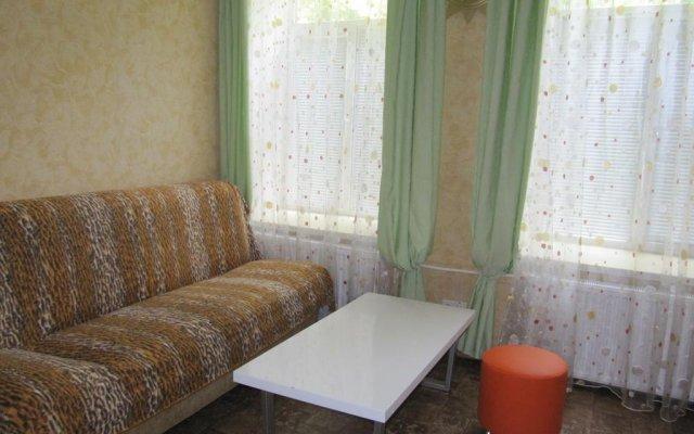 Гостиница S Parusnikom комната для гостей