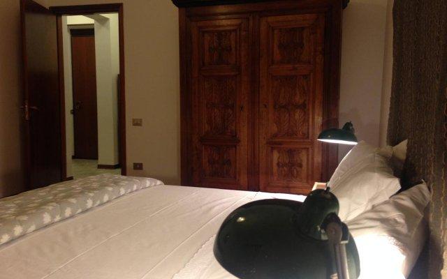 Отель Maison Eglantyne Аоста комната для гостей