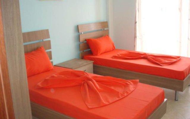 Апартаменты Apartments Serxhio комната для гостей