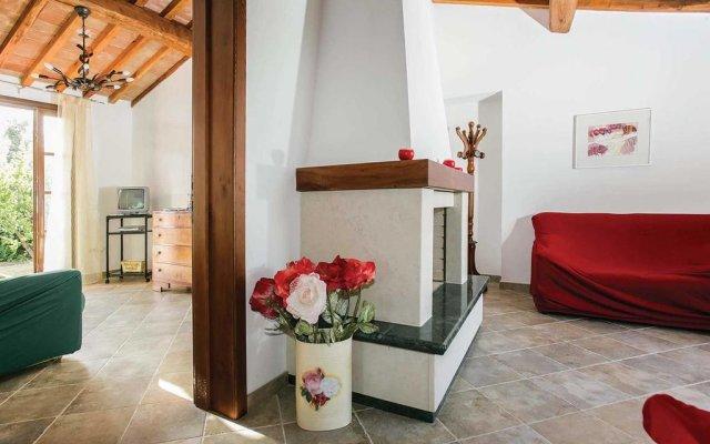 Отель La Casetta Кастаньето-Кардуччи комната для гостей