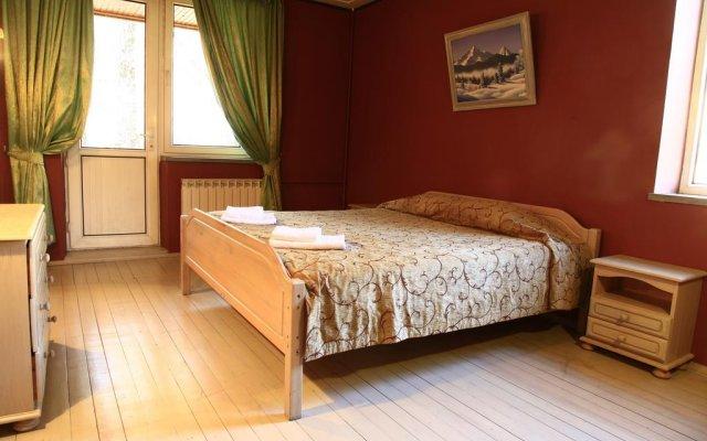 Гостиница 4 Peaks Guest House комната для гостей