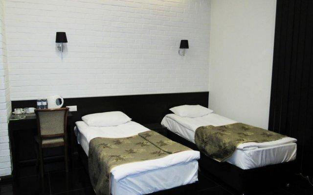 Гостиница Гараж комната для гостей