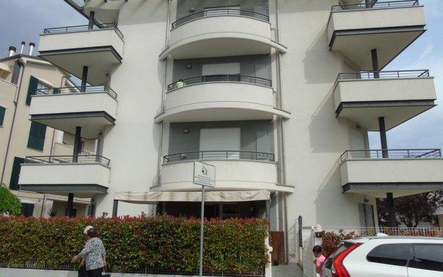 Отель Appartamento Alessia Rimini вид на фасад