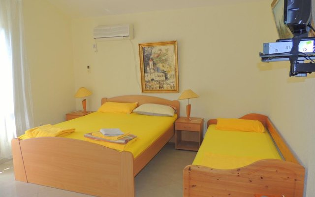 Отель Rooms Villa Desa комната для гостей