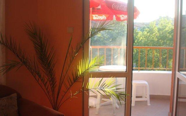 Отель Evgenia Apartment Болгария, Поморие - отзывы, цены и фото номеров - забронировать отель Evgenia Apartment онлайн комната для гостей