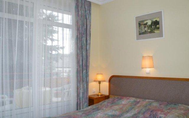 Апартаменты Apartment Pension Rideg Heviz комната для гостей