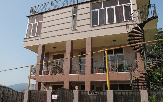 Гостиница Домик на Акациях в Сочи 5 отзывов об отеле, цены и фото номеров - забронировать гостиницу Домик на Акациях онлайн вид на фасад