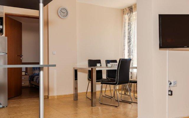 Отель Europe Apartments Болгария, Поморие - отзывы, цены и фото номеров - забронировать отель Europe Apartments онлайн комната для гостей