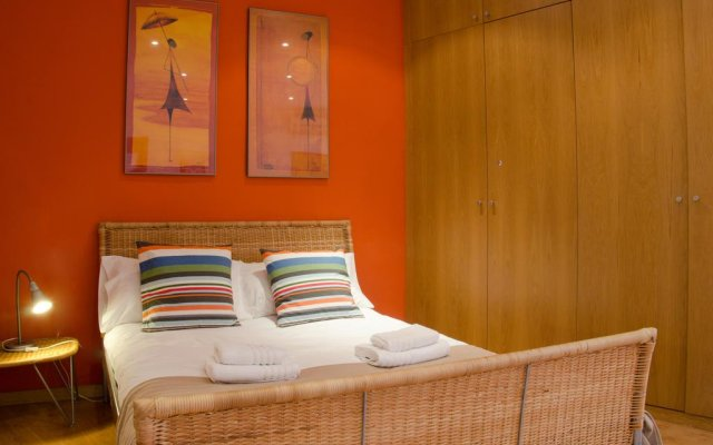 Отель Avenida Apartments Ripoll WHITE Испания, Барселона - отзывы, цены и фото номеров - забронировать отель Avenida Apartments Ripoll WHITE онлайн комната для гостей