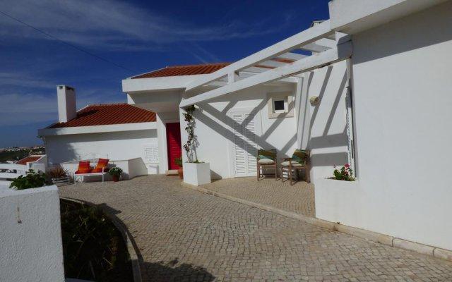 Отель Tres Bandeiras Guest House B&B вид на фасад