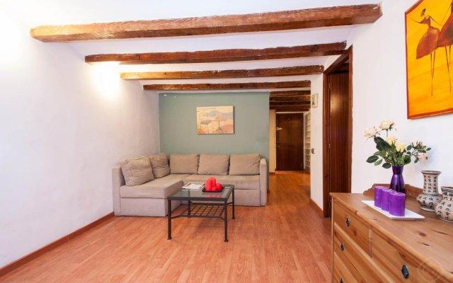Отель Rustic Poble Sec Apartment Испания, Барселона - отзывы, цены и фото номеров - забронировать отель Rustic Poble Sec Apartment онлайн комната для гостей