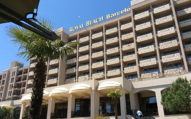 Отель Royal Beach Apartment Болгария, Солнечный берег - отзывы, цены и фото номеров - забронировать отель Royal Beach Apartment онлайн вид на фасад