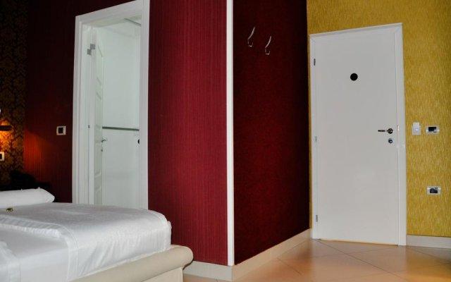 Отель Vila Dama Нови Сад сейф в номере