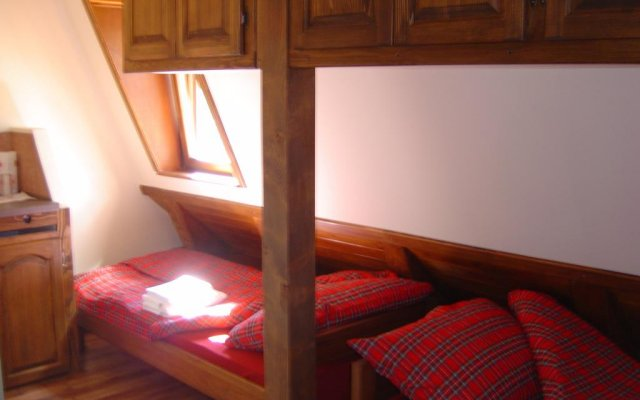 Апартаменты Apartments Villa Studenjak Нови Сад комната для гостей