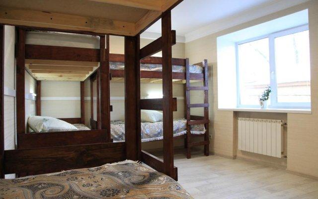 Гостиница East-West Hostel в Иркутске отзывы, цены и фото номеров - забронировать гостиницу East-West Hostel онлайн Иркутск комната для гостей