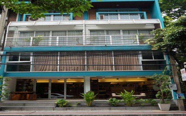 Отель 39 Living Bangkok вид на фасад