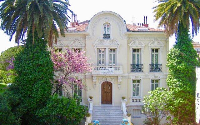 Отель Appart 'hôtel Villa Léonie вид на фасад