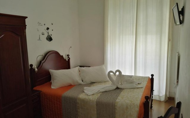 Отель Portfolio Guest House комната для гостей