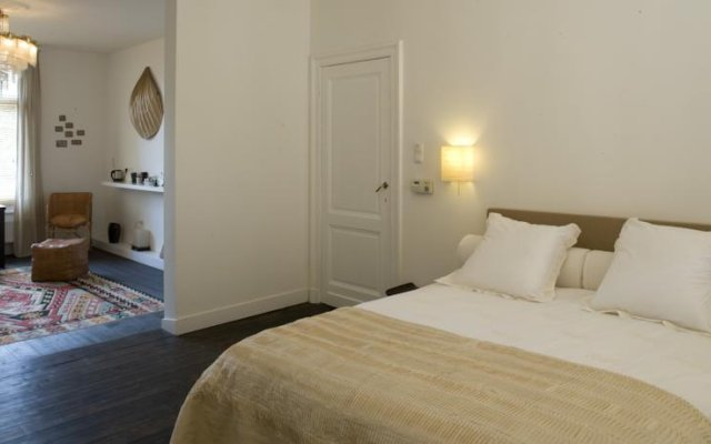 Отель B&B Antwerp комната для гостей