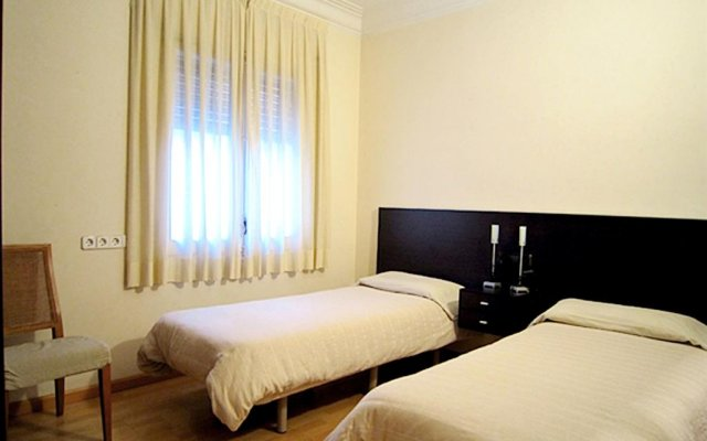 Отель Classbedroom Apartments III Испания, Барселона - отзывы, цены и фото номеров - забронировать отель Classbedroom Apartments III онлайн комната для гостей