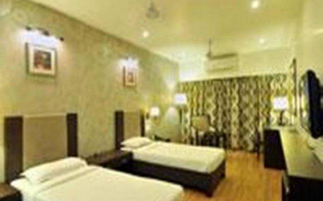 Hotel Aditya комната для гостей