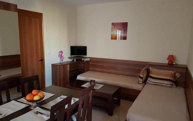 Апартаменты Studio Maryana Поморие комната для гостей