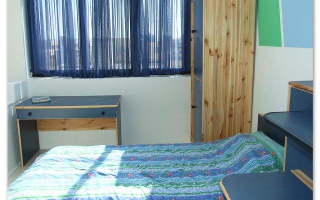 Hibernia Residence & Hostel Слима комната для гостей