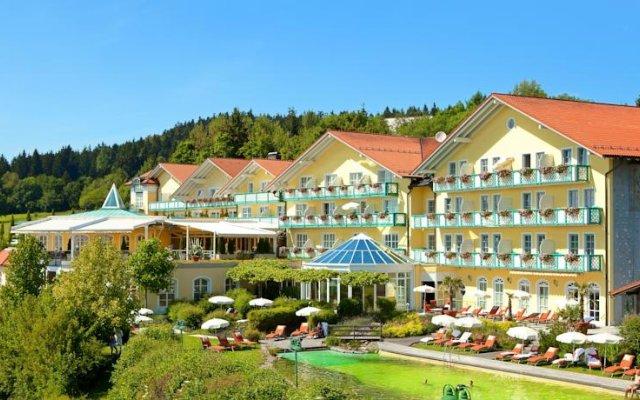 Отель Sport- & Wellnesshotel Angerhof вид на фасад