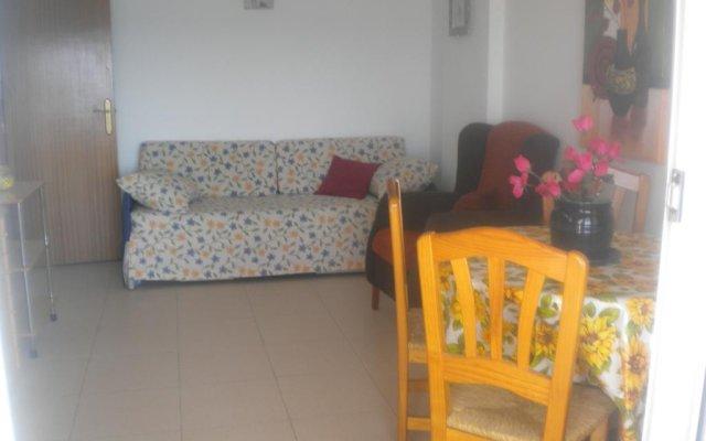 Отель Apartamentos Los Pinos комната для гостей