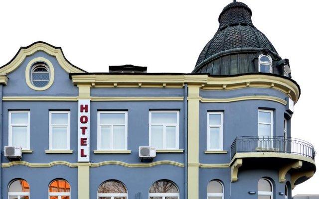 Hotel Cascade вид на фасад