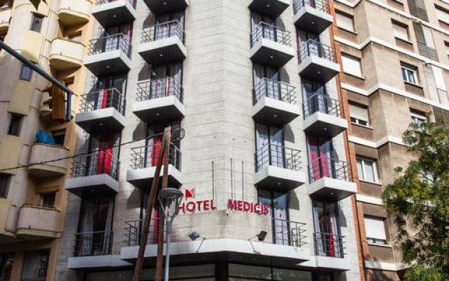 Отель Medicis Испания, Барселона - 8 отзывов об отеле, цены и фото номеров - забронировать отель Medicis онлайн вид на фасад