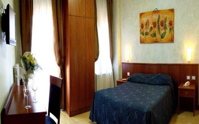 Hotel Laura комната для гостей