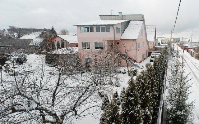 Solnechnaya Ratomka Cottage