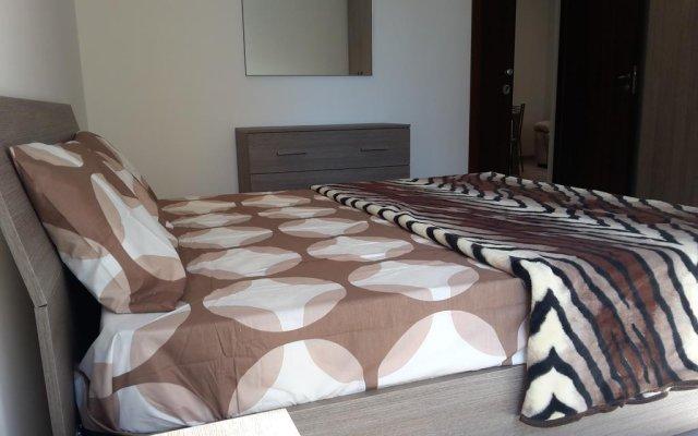 Отель Savoy Flats Слима комната для гостей