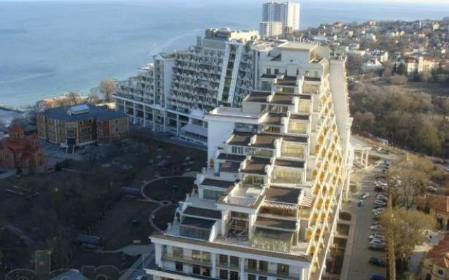 Апартаменты Apartment near the Black Sea вид на фасад