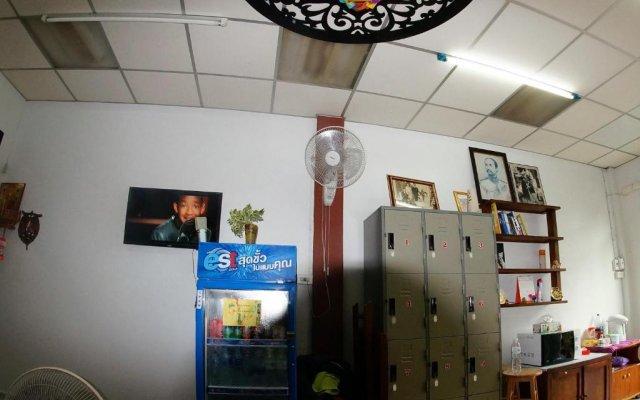 R One 24 7 Hostel Бангкок интерьер отеля