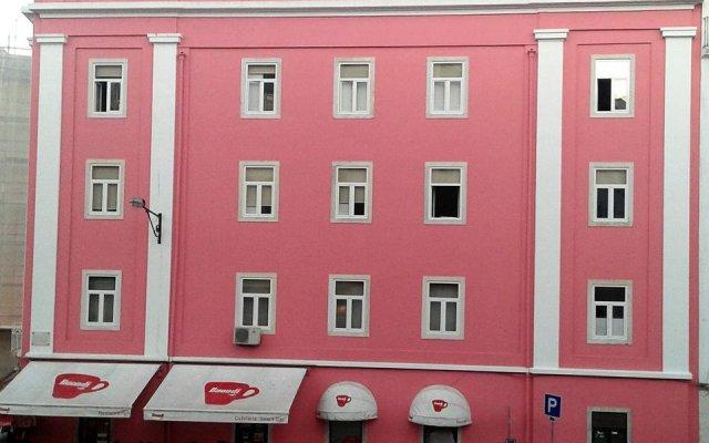 Отель Rooms Fado вид на фасад