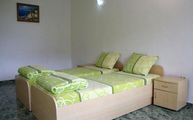 Отель Guest House Desi Балчик комната для гостей