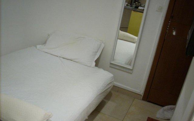 Отель Studette-Bonbonnière комната для гостей