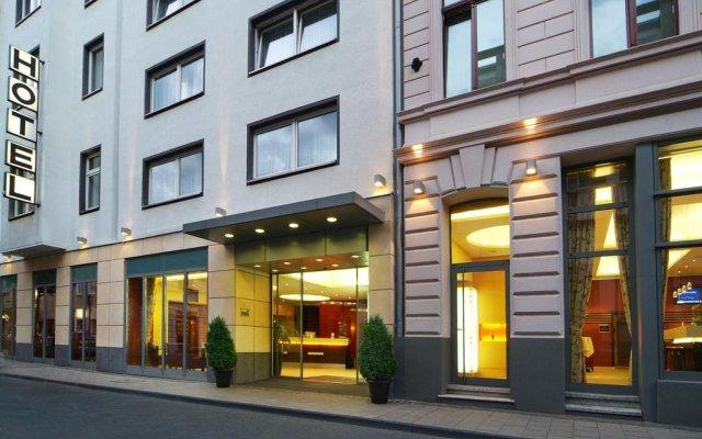 Отель Flandrischer Hof вид на фасад