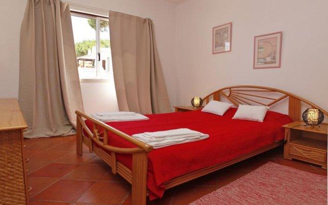 Отель Vilamoura Apartment with Pool Португалия, Картейра - отзывы, цены и фото номеров - забронировать отель Vilamoura Apartment with Pool онлайн комната для гостей