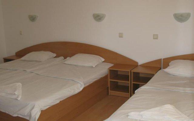 Отель Tomcho Guest House Равда комната для гостей