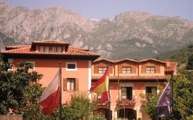 Отель Posada Laura вид на фасад
