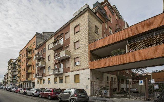 Апартаменты Cassala Halldis Apartments Милан вид на фасад